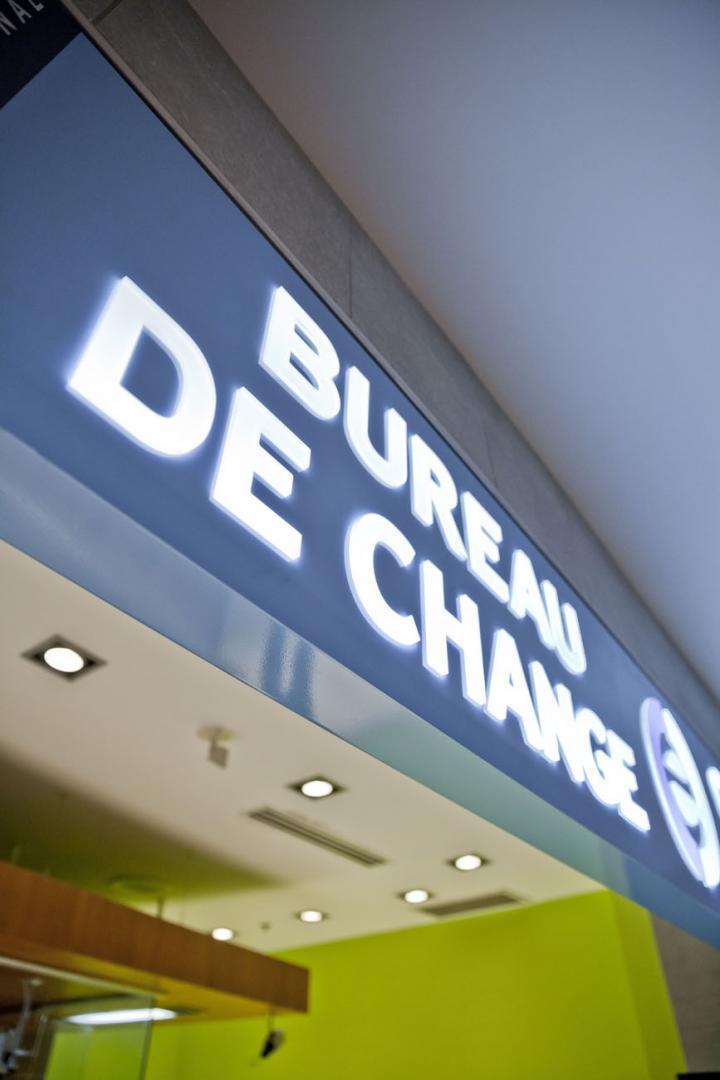 Ice bureau de change arriv es int 39 les zone bagages - Bureau de change sans frais ...