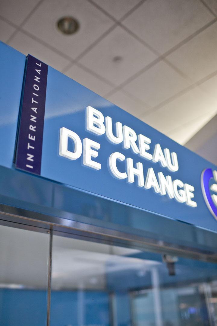 Ice bureau de change zone publique arriv es - Bureau de change sans frais ...